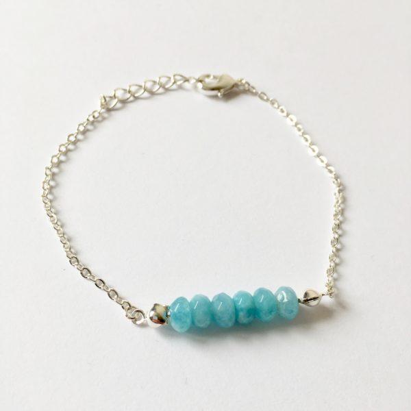 Armband met blauwe natuursteen (zilver)