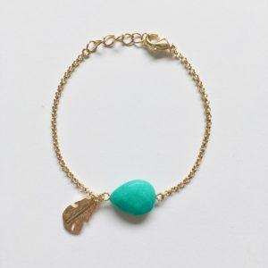 Armband met veer bedel en turkoois goud