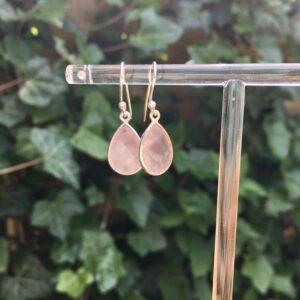 Druppel oorbellen edelsteen rozenkwarts 925 zilver