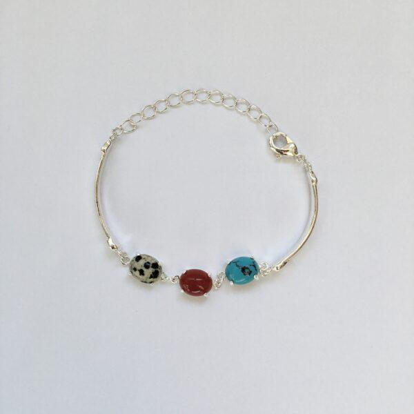 Fijne armband met natuursteen bedels turquoise rood multi zilver 2