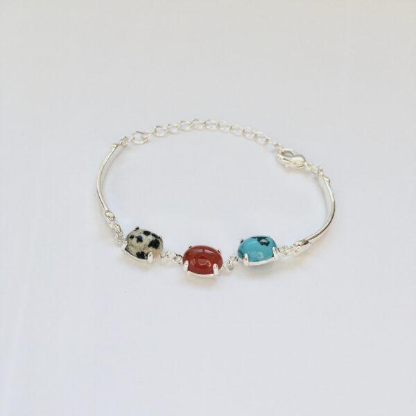 Fijne armband met natuursteen bedels turquoise rood multi zilverkleurig