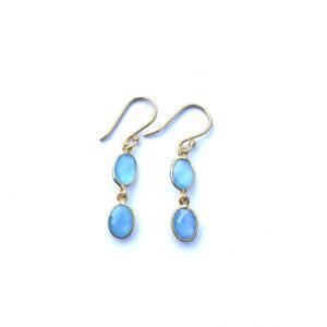 Fijne edelsteen oorbellen Blue Chalcedony 925 zilver verguld