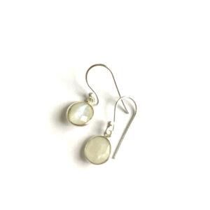 Fijne edelsteen oorbellen rond maansteen 925 zilver