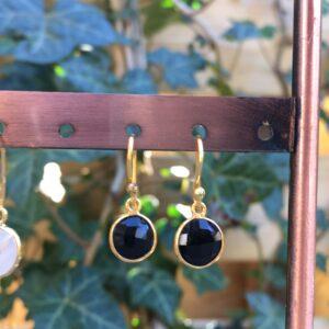 Fijne edelsteen oorbellen rond onyx 925 zilver verguld