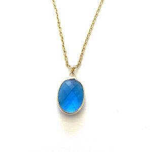 Ketting met glasbedel hanger lichtblauw goud