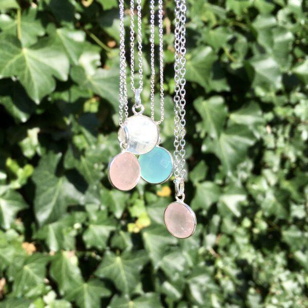 Ketting met hanger rozenkwarts aqua chalcedoon maansteen zilver edelsteen ketting