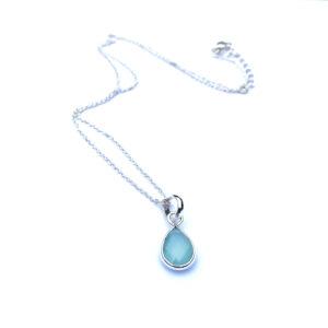 Korte ketting met druppel hanger Aqua Chalcedony 925 zilver