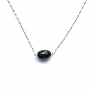 Minimalistische ketting met onyx zilverkleurig