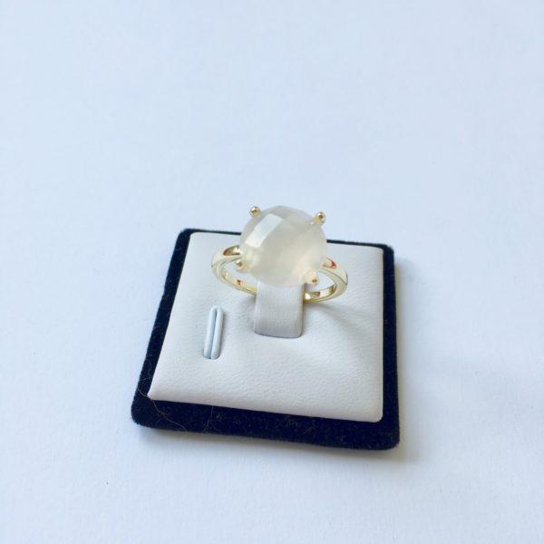 Natuursteen ring met chaton zetting goud maat L 18 mm
