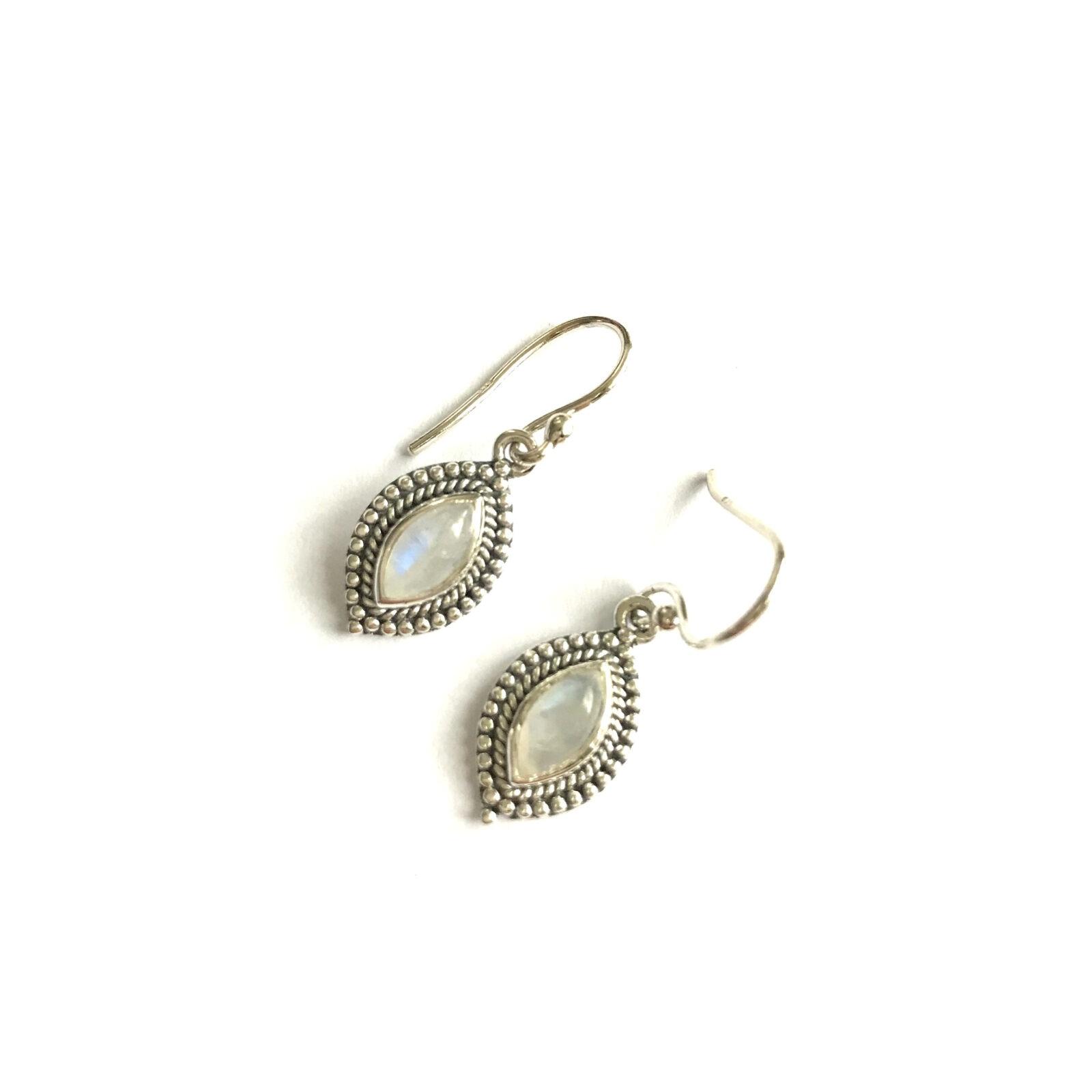 Ovalen edelsteen oorbellen rand maansteen 925 zilver