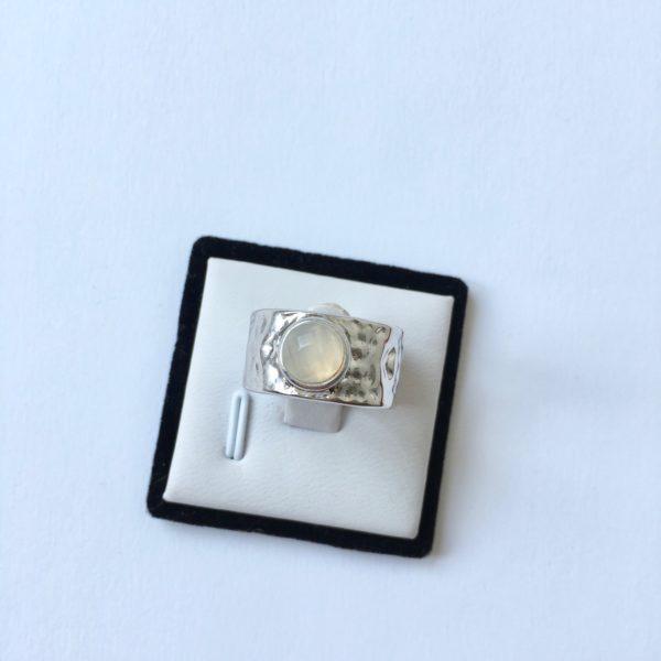 Ring met natuursteen zilverkleurig edelsteen statement ring